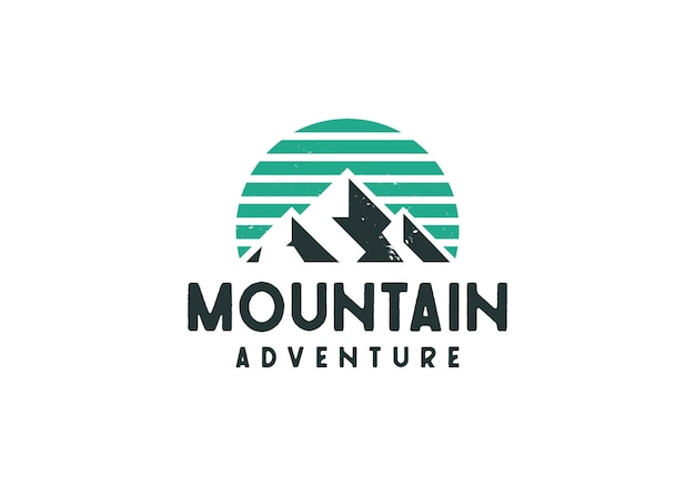 Logotipo de montaña al aire libre clásico retro rústico