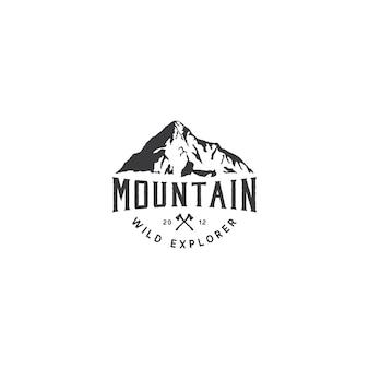 Logotipo de la montaña para la aventura y diseño de logotipo al aire libre