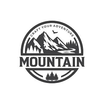 Logotipo de montaña para aventura y plantilla de diseño de logotipo al aire libre