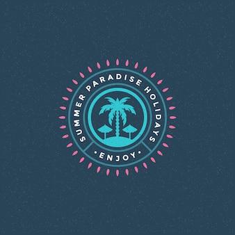 Logotipo del paraíso de verano con palmeras