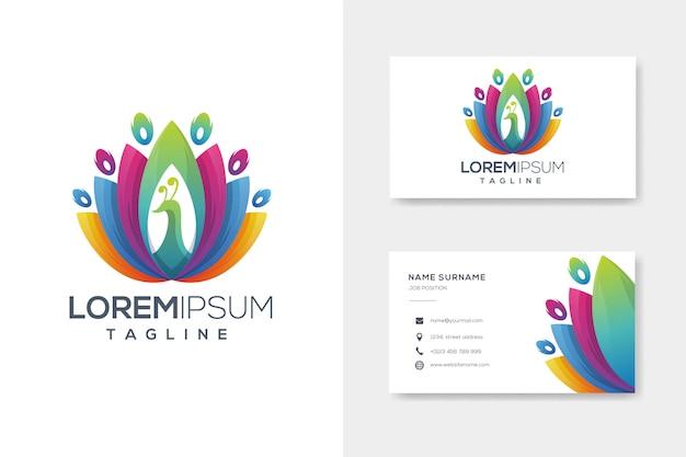 Logotipo de pavo real abstracto colorido con tarjeta de visita