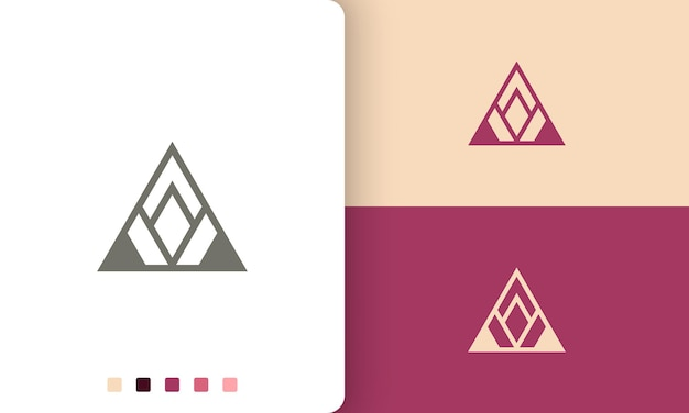 Logotipo de pirámide triangular abstracto en estilo simple y moderno