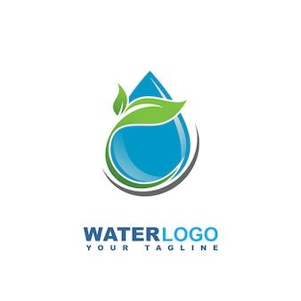 Logotipo de vector de gota de agua con hoja verde y mano