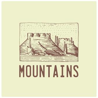 Logotipo vintage grabado con montañas dibujadas a mano, estilo boceto, insignia retro de aspecto antiguo para parques nacionales y tema de camping, alpino y senderismo