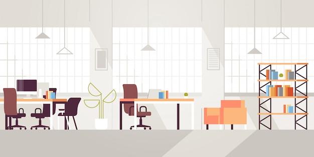 Lugar de trabajo creativo moderno espacio abierto vacío nadie oficina interior contemporáneo centro de trabajo conjunto