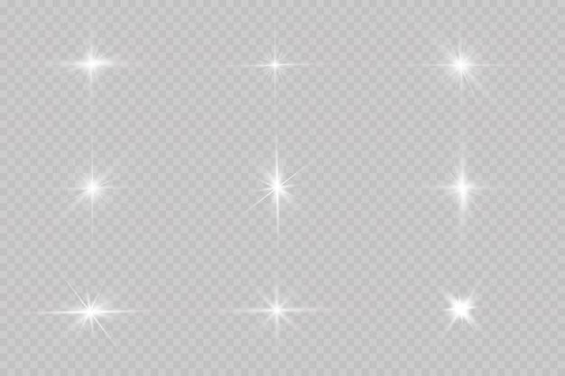 La luz blanca brillante explota. con rayo. sol brillante transparente, destello brillante. el centro de un destello brillante.