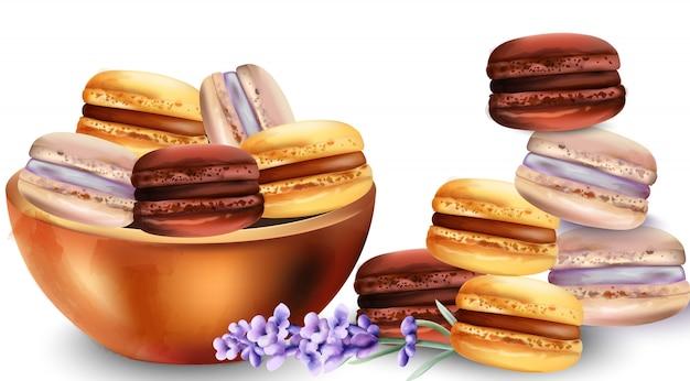 Macarrones franceses dulces en bandeja