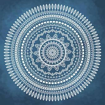 Mandala sobre fondo azul de acuarela