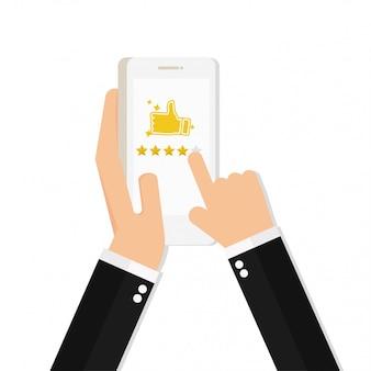 Mano sosteniendo y apuntando a un teléfono inteligente con calificación de 5 estrellas