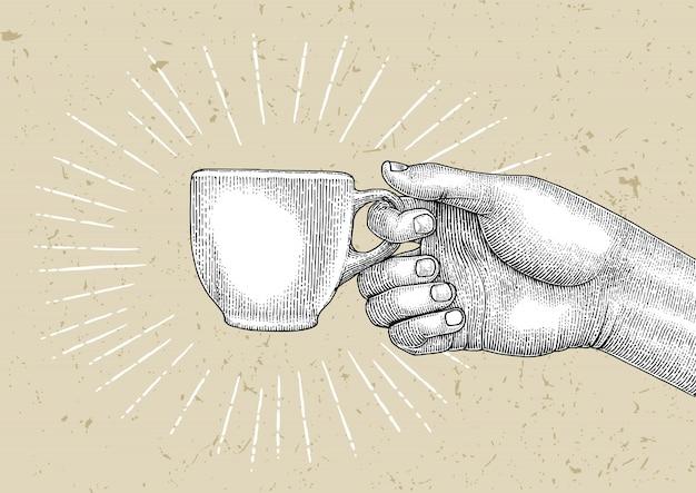 Mano sujetando la taza de café, ilustración estilo vintage, logotipo de café