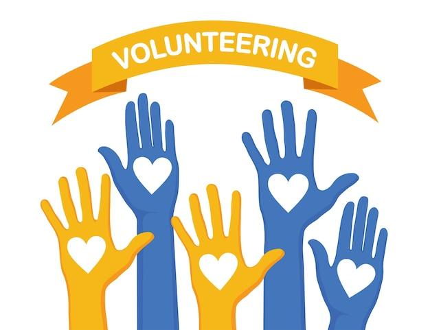 Manos levantadas con corazón sobre fondo blanco. voluntariado, caridad, donar sangre concepto. gracias por el cuidado. voto de multitud.