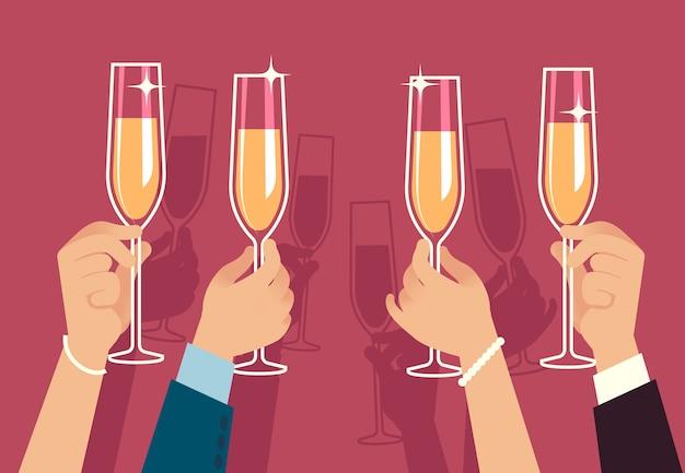 Manos sosteniendo copas de champán. la gente celebra la fiesta de navidad corporativa con bebidas alcohólicas, aniversario, evento, banquete, reunión, celebración, concepto
