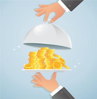 Manos sosteniendo plata cloche con dinero