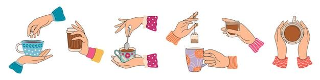 Manos sosteniendo tazas de té. mano de mujer elegante con taza con café o cacao, preparar bolsita de té. desayuno bebidas calientes y bebidas, conjunto de vectores de moda. ilustración de bebida de té y taza de café