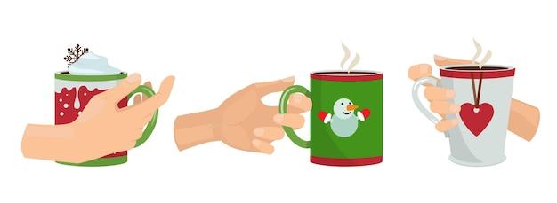 Manos con tazas. bebidas navideñas, brazos aislados sosteniendo tazas con ilustración de vector de café con leche de cacao. taza de beber café, capuchino caliente por la mañana