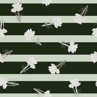 Manzanilla de patrones sin fisuras sobre fondo negro de rayas. hermoso adorno de flores blancas de verano.