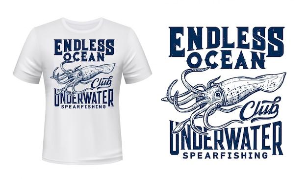 Maqueta de camiseta de club de buceo con calamares