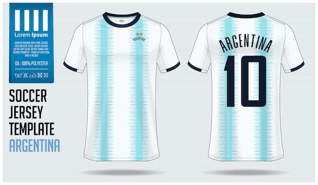 Maqueta de camiseta de fútbol argentina o plantilla de kit de fútbol.