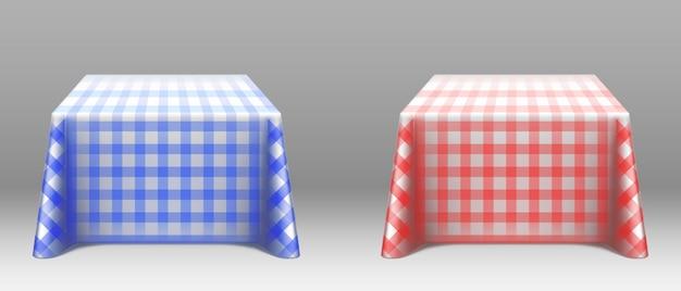 Maqueta de manteles a cuadros en mesas cuadradas