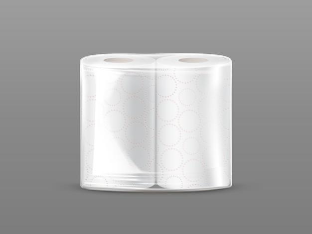 Maqueta del paquete de la toalla de papel con el embalaje transparente aislado en fondo gris.