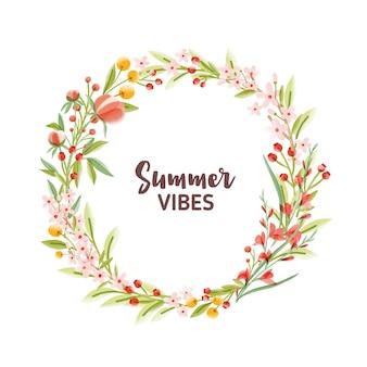 Marco circular, guirnalda, corona o borde hecho de coloridas flores de temporada, bayas y hojas y letras summer vibes en el interior.