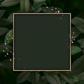 Marco dorado en plantilla de vector de fondo de patrón de follaje