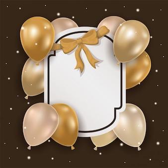 Marco elegante con lazo dorado y globos de helio.