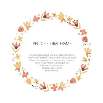 Marco floral plantilla dibujada a mano. bayas, ramas y flores ilustraciones aisladas. plantilla de borde círculo botánico con espacio de texto. otoño