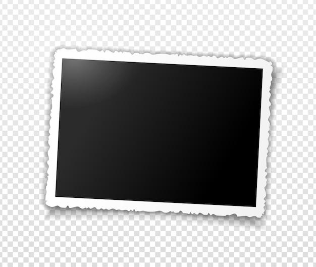 Marco de fotos retro con bordes ondulados figurados y sombra. plantilla para editar. ilustración realista vector de foto horizontal amplia vacía con sombra aislada sobre fondo gris transparente.