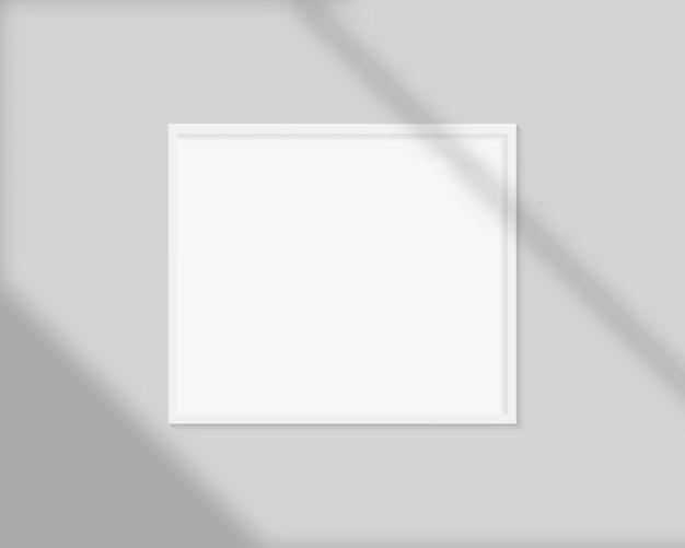 Marco de imagen realista con superposición de sombras. plantilla de maqueta de marco de imagen en blanco.