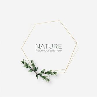 Marco natural con marco geométrico dorado.