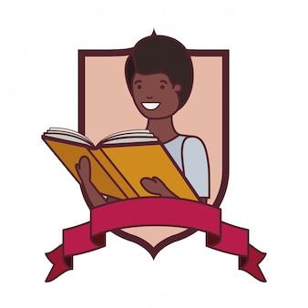 Marco con niño estudiante y libro de lectura.