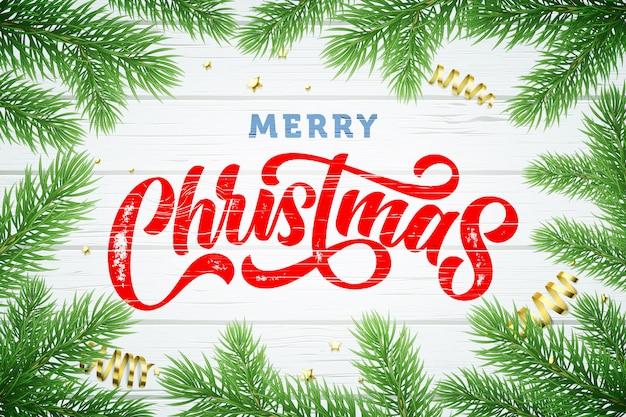 Marco de ramas de árbol de navidad, vacaciones de invierno doradas estrellas brillantes y bolas sobre fondo blanco de madera