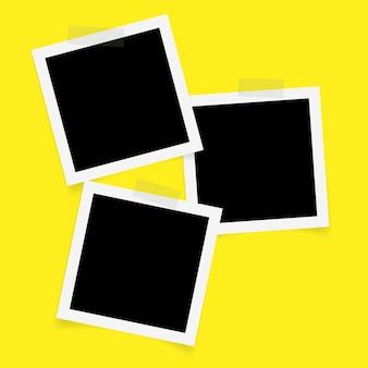 Marcos de fotos cuadrados con cinta adhesiva.