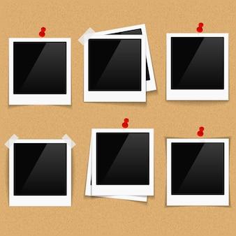 Marcos de fotos en el tablón de anuncios.