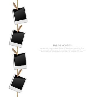 Marcos realistas de fotos retro en blanco en una cuerda con clips de madera, ilustración vectorial