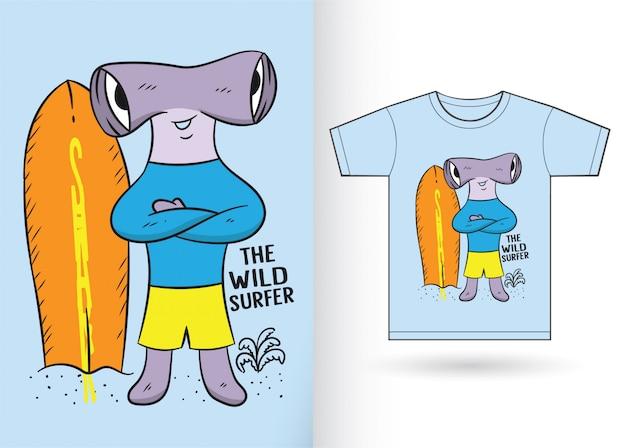 Martillo tiburón de dibujos animados para camiseta