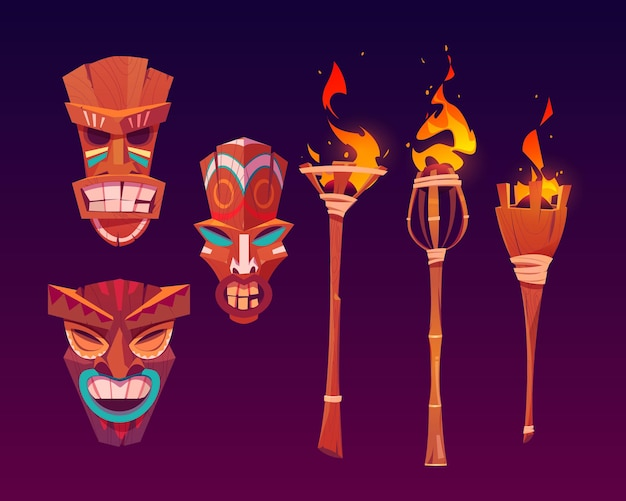 Máscaras tiki y antorchas encendidas, tótems tribales de madera, atributos hawaianos o polinesios