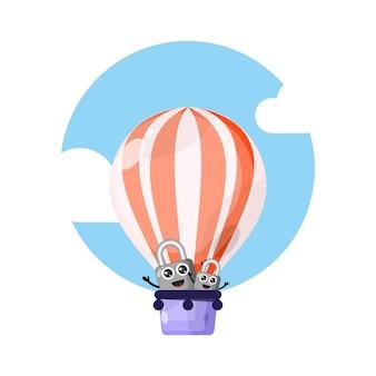 Mascota linda del personaje del candado del globo de aire caliente