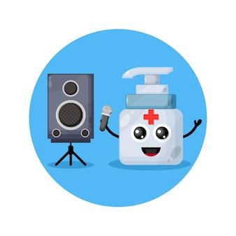 Mascota linda del personaje del karaoke del desinfectante de manos