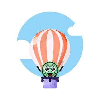 Mascota de personaje lindo globo de aire caliente de madera