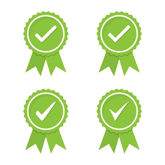 Medalla verde aprobada o certificada en un diseño plano