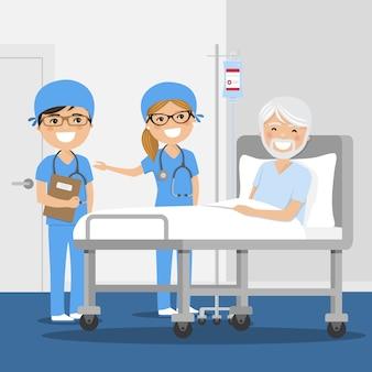 Médico explicando el diagnóstico a su paciente masculino en el hospital.