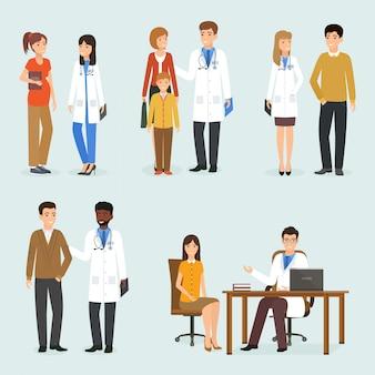 Médicos con sus pacientes en diferentes situaciones.
