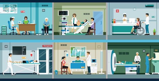 Los médicos tratan y consultan a los pacientes en el hospital.