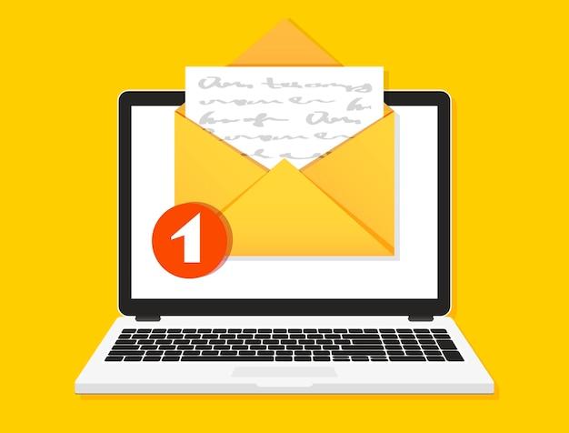 Mensaje de correo electrónico en la pantalla de la computadora portátil. concepto de recordatorio de mensaje.
