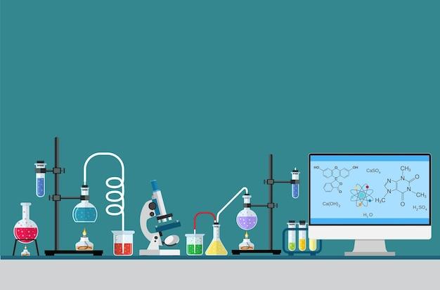 Mesa de trabajador de laboratorio proceso de investigación química de computadora