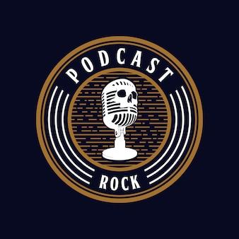 Micrófono cráneo podcast rock