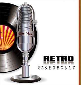 Micrófono retro y disco de vinilo.