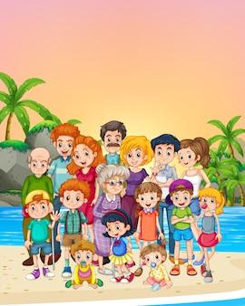 Miembros de la familia de pie en la playa